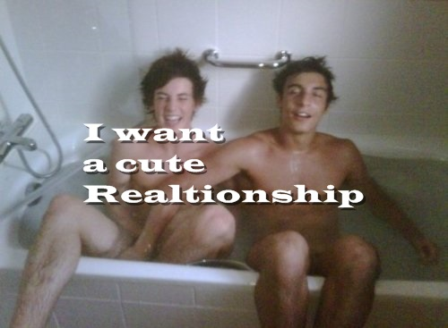 I want a cute relationship.