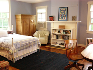 PorchesEast_bedroom_study_300px