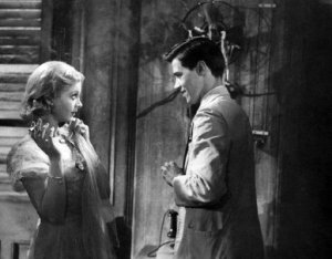 streetcar Blanche and paper boy -named-desire-vivien-leigh